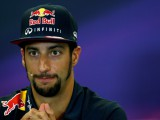 Ricciardo: Using new Renault engine unlikely