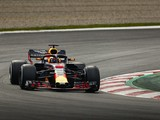 Red Bull concerned by Renault's conservative engine plan