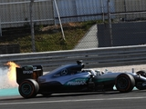 Hamilton: Number of engine issues 'odd'