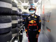 Horner: Dark clouds are following Ricciardo