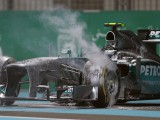 Mercedes discover large cracks in Hamilton's chassis