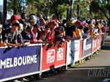 Fans banned from Australian GP as F1 waits on race call
