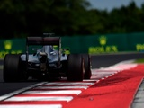 Hamilton blasts new kerbs for FP2 off