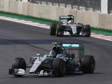 Rosberg defeats Hamilton in Mexico