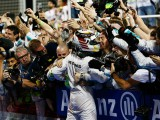 Hamilton has 'no thoughts' of leaving Mercedes