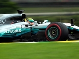 Mercedes 'determined' to cap year with win
