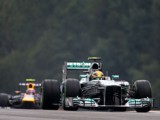 Hamilton prevails in frantic qualifying
