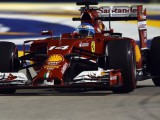 Alonso top in Singapore practice