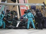 Mercedes under investigation for F1 Sakhir GP pitstop tyre mix-up