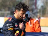 Ricciardo: Rivals 'more adventurous' than Red Bull