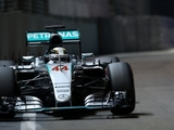 Hamilton sees city races as future for F1