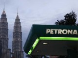 Mercedes fuel supplier Petronas brings extrenal help into F1