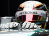 Hamilton sets sights on 'salute to Senna'