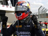 Evans overcomes Palmer for maiden victory
