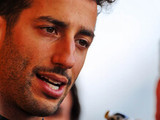 Ricciardo to auction race suit to aid bushfire victims