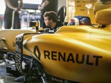 Renault: We won't leapfrog the F1 midfield in 2017