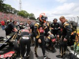 Grosjean fightback rewarded with points on emotional weekend
