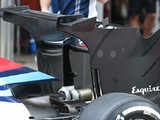 Williams runs radical F1 rear wing in Barcelona test