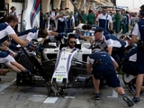Overview: Williams leading F1 pit-stop race