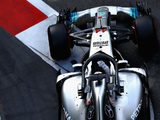 Hamilton: W09 is harder to drive than the diva