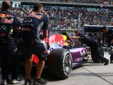 Red Bull extends 2016 engine deadline
