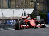 Vettel moves ahead in final practice