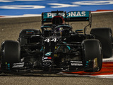 Hamilton takes 98th career pole in Bahrain qualifying