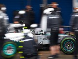 'Too early' to declare 2014 favourite - Mercedes