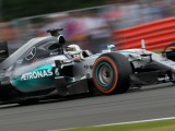 Lewis Hamilton wins dramatic British Grand Prix