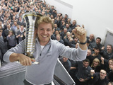 Niki Lauda annoyed that Nico Rosberg has left Mercedes looking 'stupid'