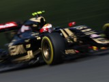 Lotus urges Renault sale as bailiffs move in