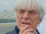 Ecclestone to sell F1 shares