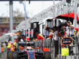 McLaren qualify last in Aus