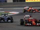 Ferrari urged to stay 'aggressive'