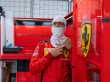 Vettel's not in F1 'just to participate'