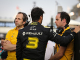 Ricciardo wants more than a 'hi' from Abiteboul