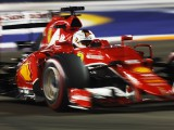 Vettel takes Singapore pole position