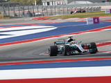 Hamilton beats Vettel to pole