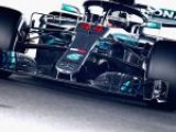 Hamilton makes flying Suzuka start