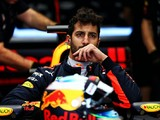 Australian GP: Daniel Ricciardo grid penalty after gearbox change