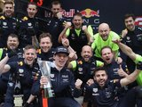 Verstappen extends Red Bull contract to 2020
