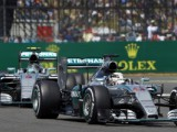 Hamilton stays calm to win third British Grand Prix