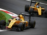 Renault F1 team wants a 'charismatic' lead driver