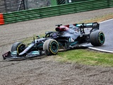 Hamilton 'refused to believe' Imola race was over after mistake