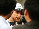 Jenson Button troubled by 'dangerous' pit incident in qualifying
