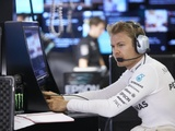 Rosberg hails Mercedes work after crash