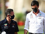 """Red Bull """"approached 100 people"""" says Wolff"""