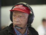 Three-time F1 champion Lauda leaves hospital after lung transplant