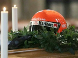 F1 fans pay last respects to Lauda