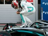 Hamilton wins as Ferrari hopes unravel